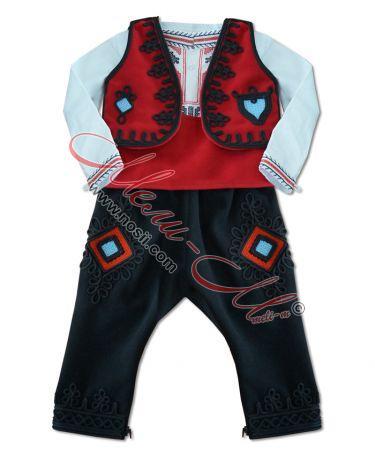 Тракийски костюм за момче