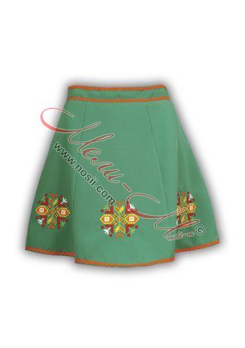 Традиционна женска пола с бродерия