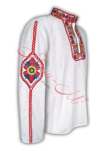 Традиционна бродирана риза