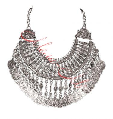 Necklace with pieces (pendari)